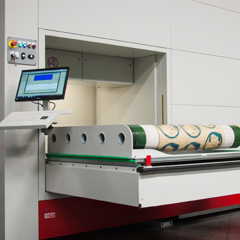 ICAM Online En | Printing cylinders aim height with Rolltech Vertical Lift Module